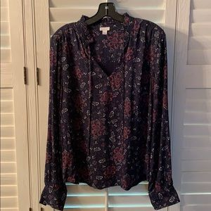 Hinge blouse, size M, worn once.